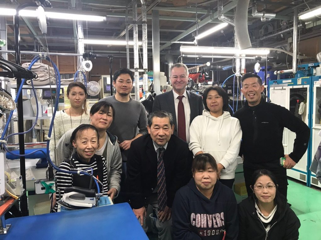勝川ランドリーは「クリーニング難民を救うクリーニング店です」